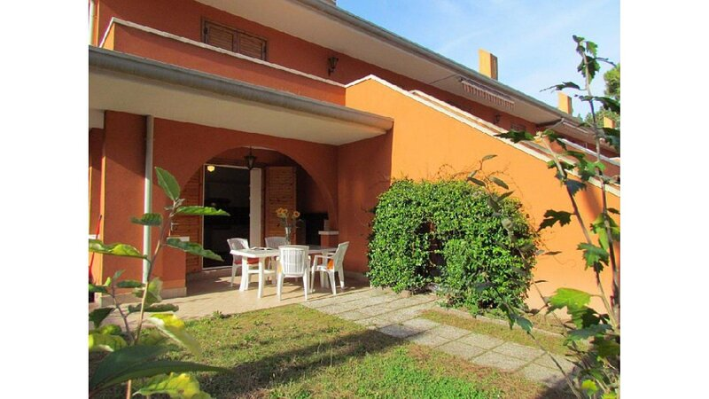 Relaxing residences - Swimmin Pool - Private Parking - Beach Amenities, holiday rental in Bibione Pineda