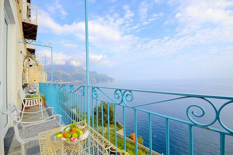 Castiglione Villa Sleeps 5 with Air Con - 5875282, holiday rental in Castiglione