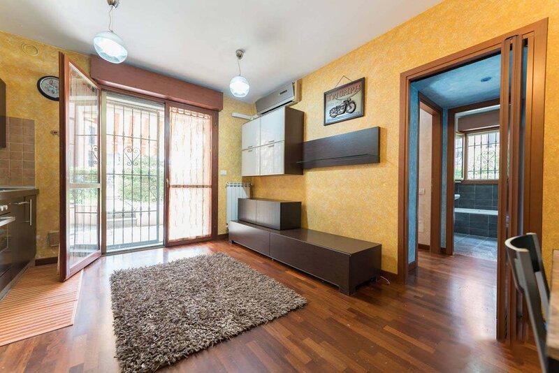 Opera Apartment - IEO Humanitas, holiday rental in Locate di Triulzi