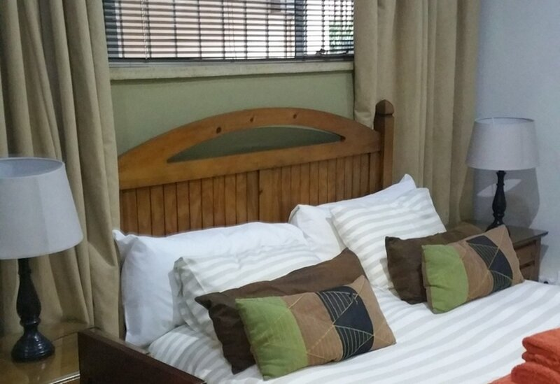 The Munday guesthouse - nice private room, alquiler vacacional en Germiston