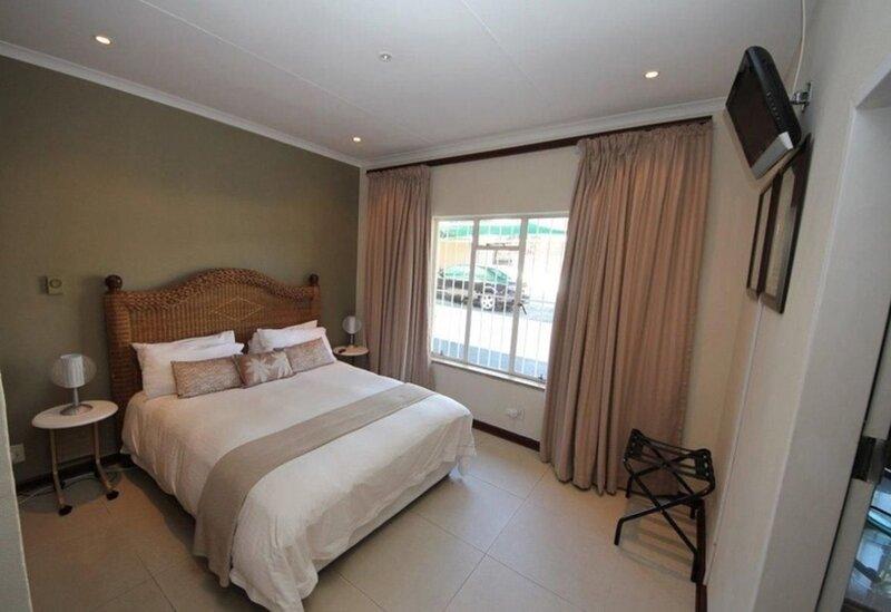 Beautiful Suite room in Bb - Close to Johannesburg, alquiler vacacional en Germiston