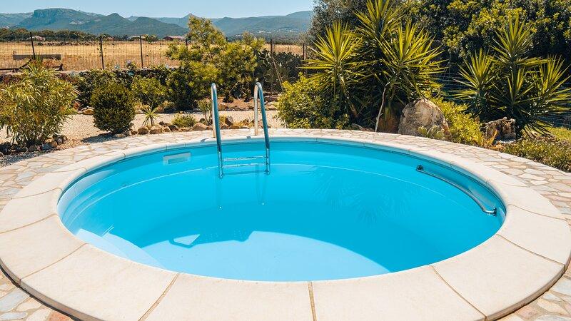 Casa Asfodeli - Villetta in campagna con piscina privata, holiday rental in Cuglieri