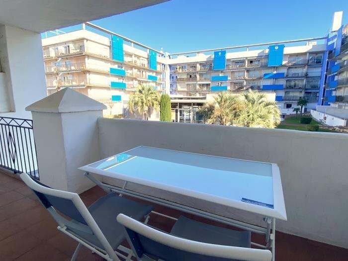 ROYAL 1 bedroom apartment with communal pool in Santa Margarita, aluguéis de temporada em Pau