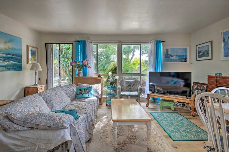 NEW! Pet-Friendly Port Hueneme Home ~1 Mi to Beach, holiday rental in Port Hueneme