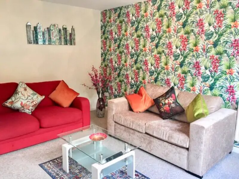 Homely Birch Close House with Free Parking & Sleeps 8, Ferienwohnung in Upware