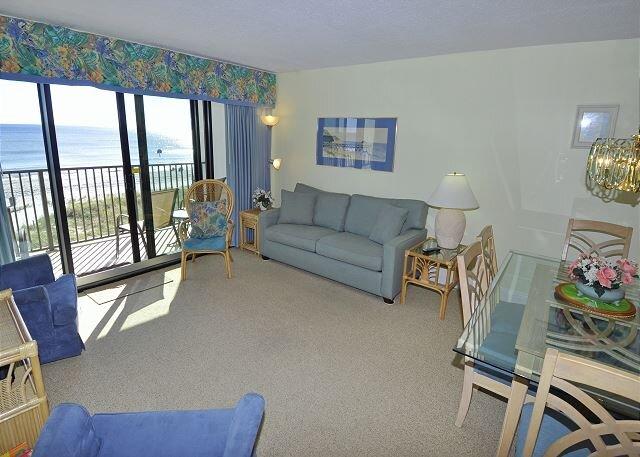 Oceanfront 3BR/2BA completely renovated condo at 2200 N Ocean, alquiler vacacional en Longs
