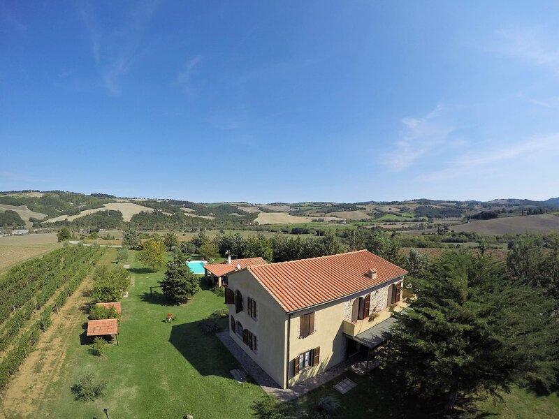Casa Girasole Agriturismo Le Selvole - Toscana, location de vacances à Querceto