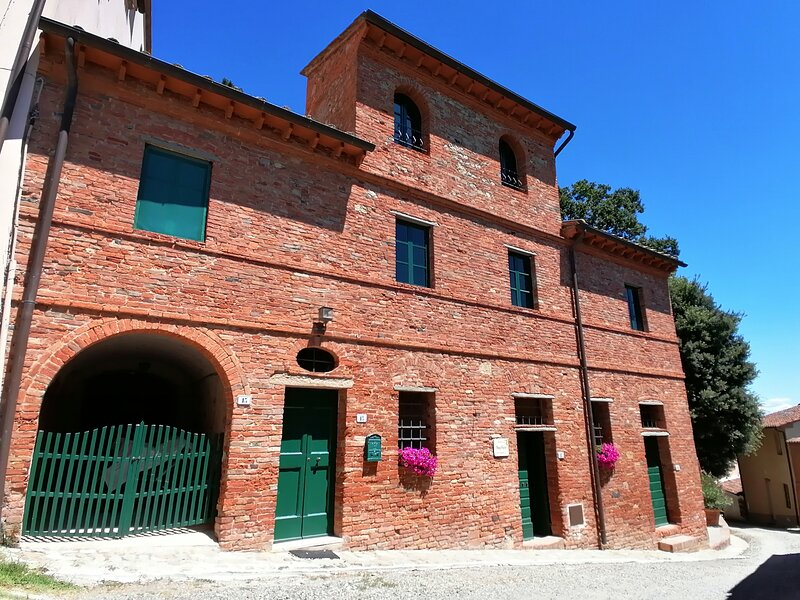 Top-Hill Charming House with Pool, vacation rental in Terricciola