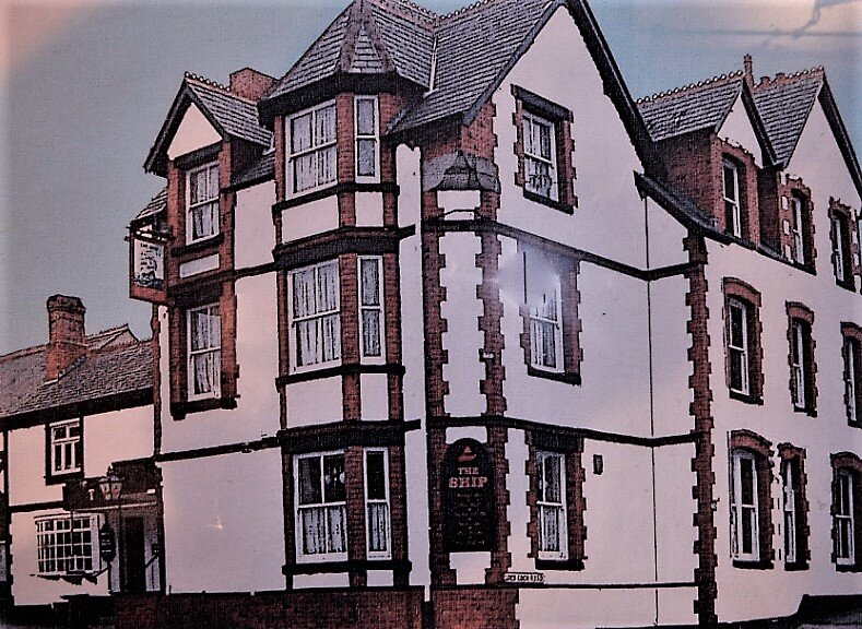 3-Bed Apartment on a grand scale in Colwyn Bay, vacation rental in Old Colwyn