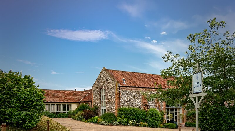 Plover House ~ Kelling Estate is a stylish North Norfolk holiday home., vacation rental in Kelling