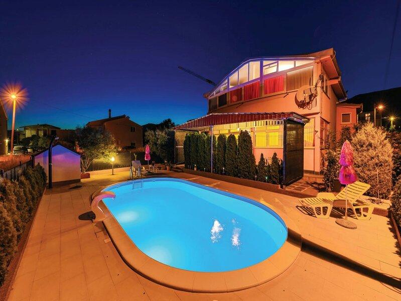 Apartment Martina with Private pool, location de vacances à Kastel Novi