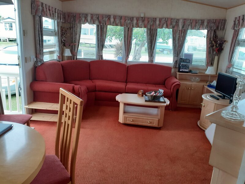 Tiny's Place....lovely caravan, holiday rental in Hunstanton
