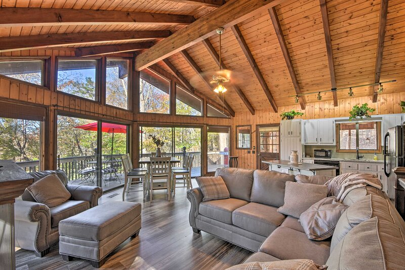 NEW! Bent Tree Haven: Home w/ Luxe Community Perks, holiday rental in Talking Rock