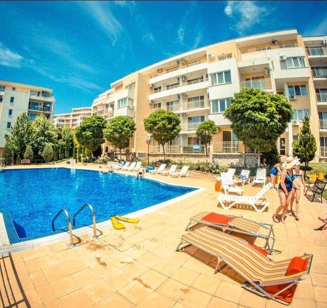 Stylish modern seaside apartment, holiday rental in Sveti Vlas
