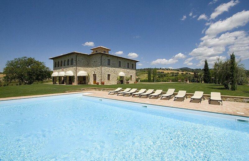 Fossatello Villa Sleeps 10 with Pool and Air Con - 5875283, location de vacances à Civitella del Lago