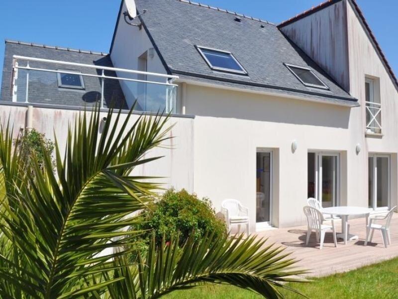 Belle villa 3 étoiles avec terrasse à TREGASTEL, vakantiewoning in Tregastel-Plage