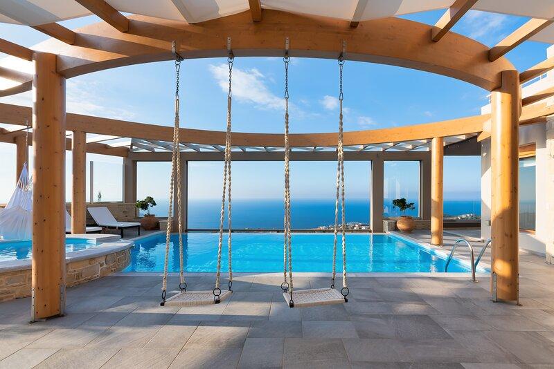 Blue Key Villa, holiday rental in Agia Pelagia
