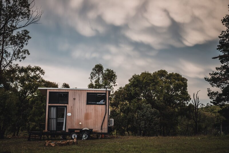 Merlot Tiny House - A Windeyer Outback Experience, holiday rental in Windeyer
