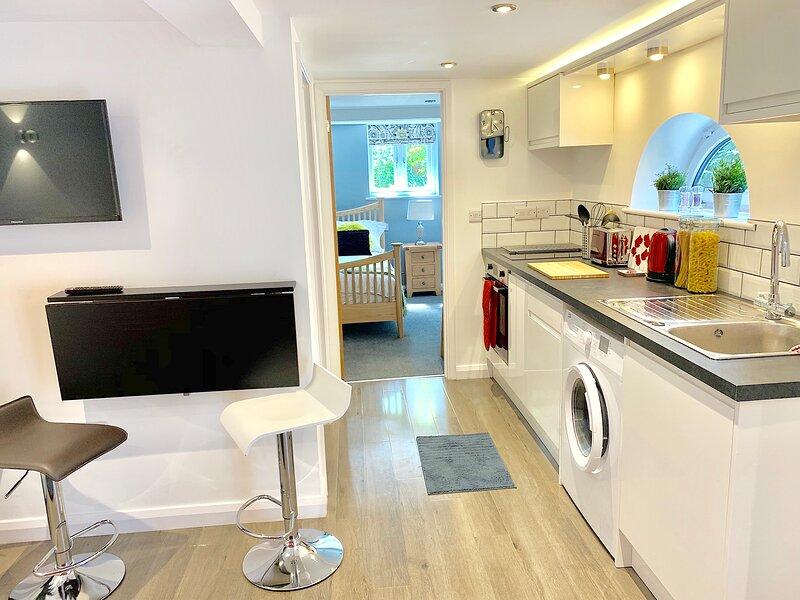 Hidden Gem: Beautiful serviced apartment w/courtyard garden close 2 Airport, location de vacances à Borrowash