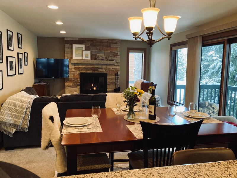 Vail RetreatL Hike, bike, fish, Lovely  east Vail condo perfect for relaxation, holiday rental in Vail