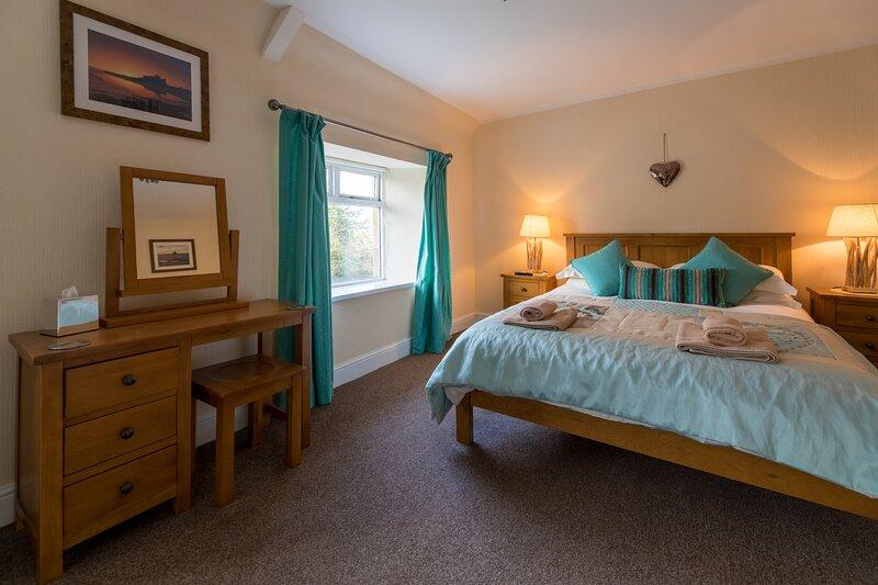 No.6 Tulip Cottage Bamburgh, holiday rental in Waren Mill