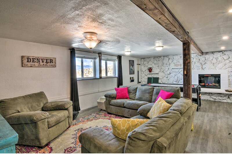 NEW! Cozy Escape w/ Hot Tub Access & Mountain View, location de vacances à Granite