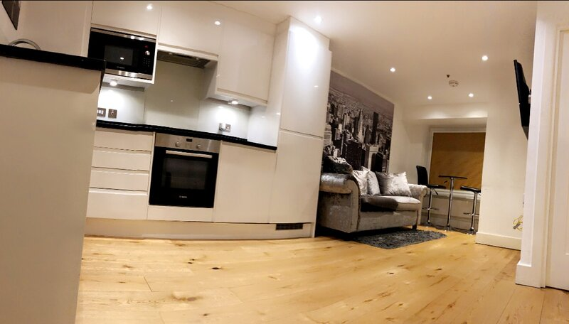 Stunning 1-Bed Apartment in Croydon, casa vacanza a Godstone