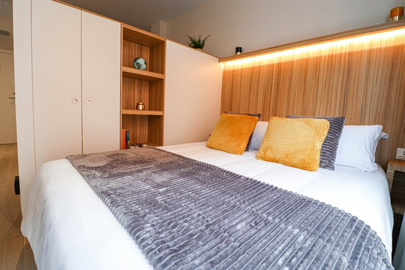 Moderno Estudio 'Intimate' en el CIELO de Madrid, holiday rental in Mazo