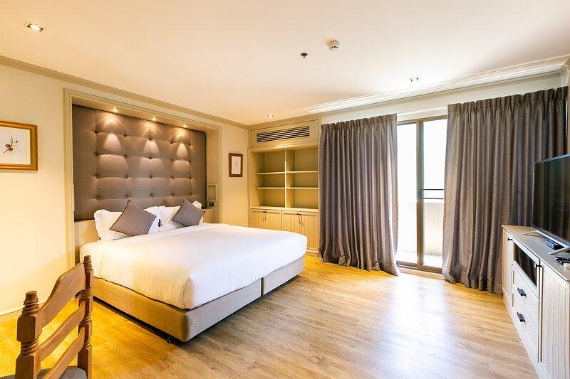 Big Apt, Hidden gem, fully equipped 2 big Br, 2 Ba, spacious living in Dt – semesterbostad i Bang Nam Phueng