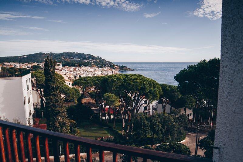 Apartament amb espectaculars vistes al Mediterrani, location de vacances à Calella de Palafrugell