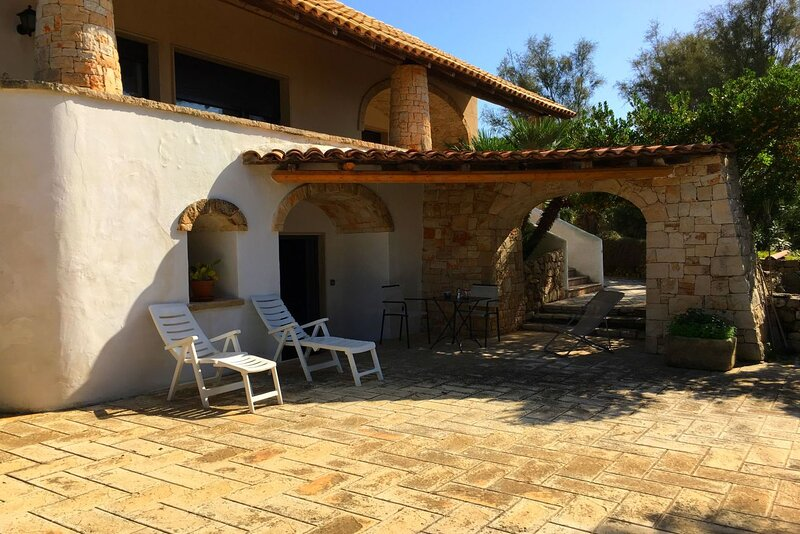 Monolocale Frontemare vicino Gallipoli, holiday rental in Torre Suda