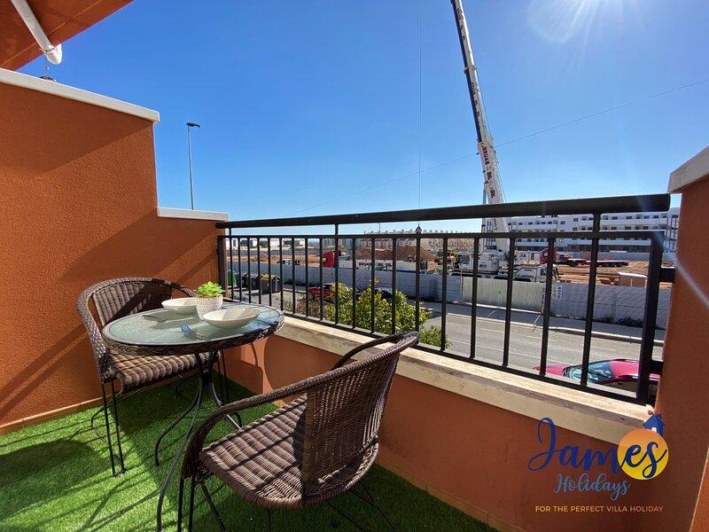 El Baranco townhousewith Comm Pool EB4, holiday rental in Los Dolses