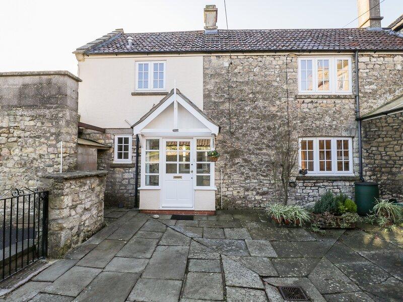 Walnut Cottage, Bristol, holiday rental in Butcombe