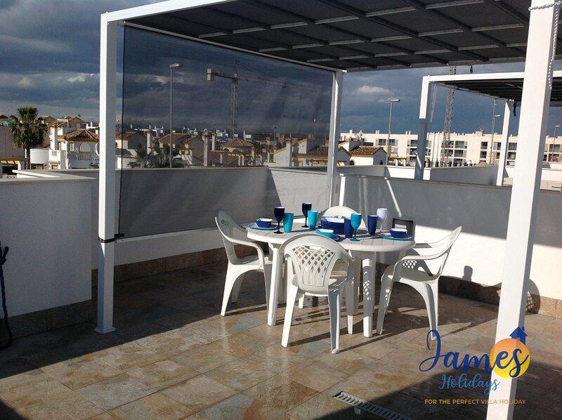 Lovely  New Apartment with all Facilities, aluguéis de temporada em Romero
