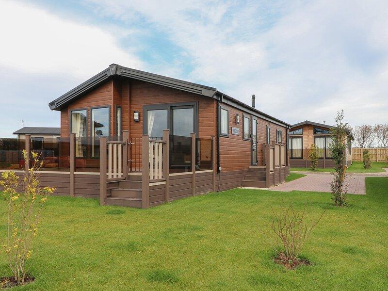 Cabin, Runswick Bay, holiday rental in Runswick