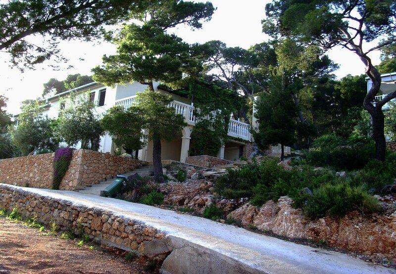 Var - with nice garden: A3(2+2) - Sveta Nedjelja, casa vacanza a Sveta Nedilja