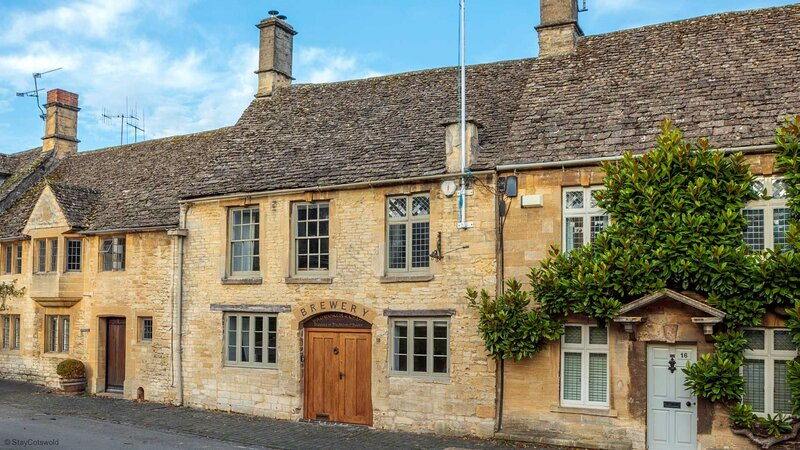 Stylish Brewery House in Burford, location de vacances à Holwell