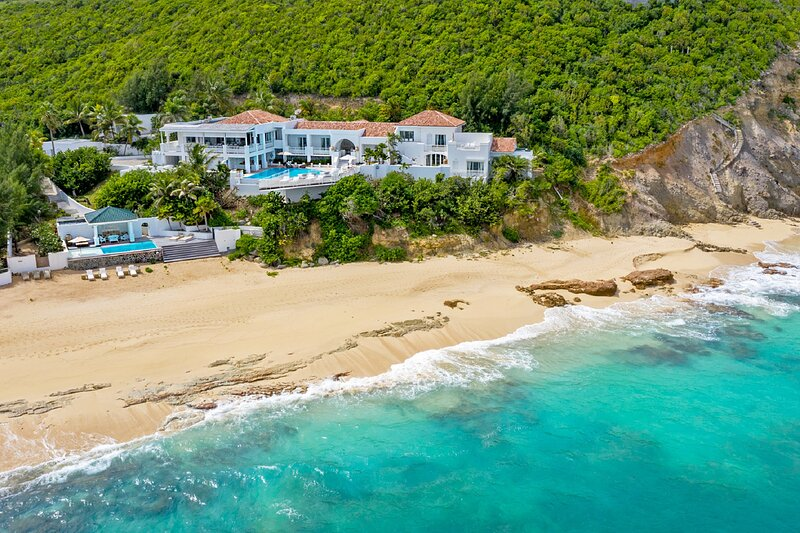 L'OASIS... Heavenly, Super Deluxe beachfront estate has everything!! – semesterbostad i Terres Basses