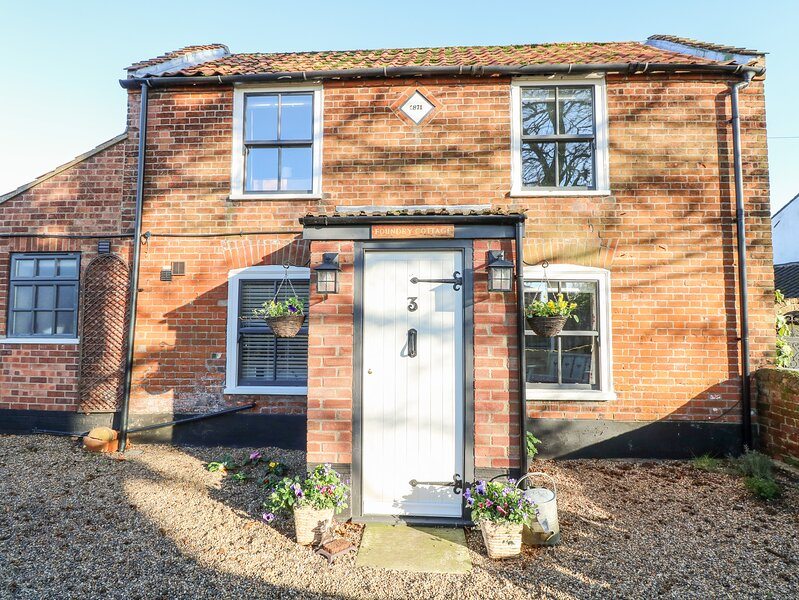 Foundry Cottage, Reedham, holiday rental in Thurton