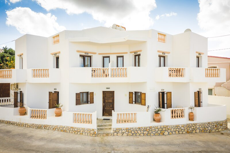 Theoxenia Apartments, holiday rental in Kásos