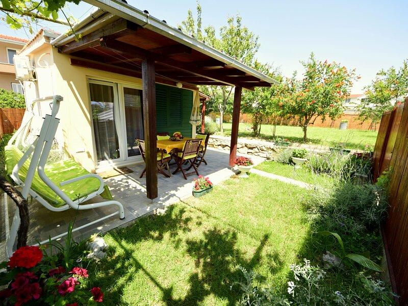 Taja, holiday rental in Vranjic