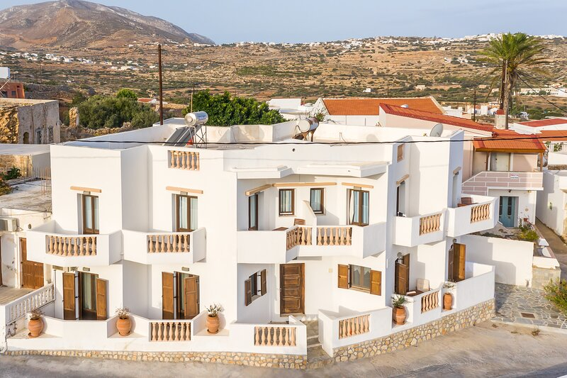 Theoxenia Suites, holiday rental in Kásos