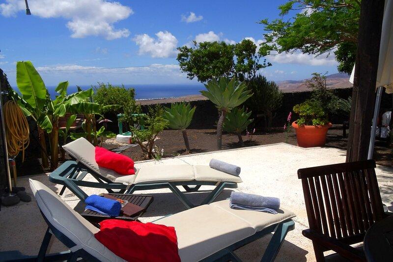 Casa Tabobo in La Asomada, alquiler de vacaciones en Lanzarote