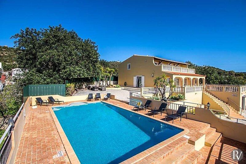 Sitio da Areia Villa Sleeps 10 with Pool Air Con and WiFi - 5873938, alquiler de vacaciones en Azinheiro