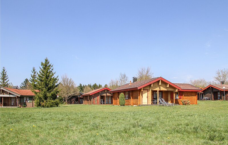 Stunning home in Hayingen with Sauna and 3 Bedrooms (DBW124), vacation rental in Hayingen