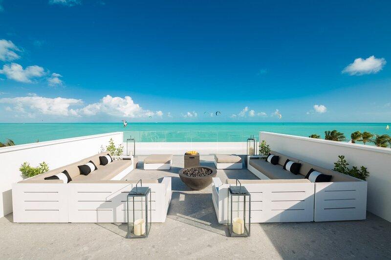 NEW Luxurious 2 BR LifeStyle Resort Condo ⎮Kitesurfing ⎮Watersports, aluguéis de temporada em Five Cays Settlement