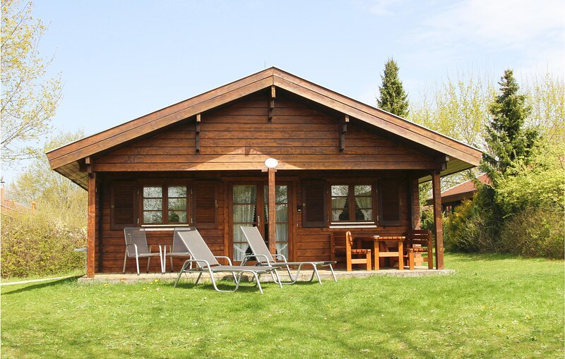 Awesome home in Hayingen with Sauna and 2 Bedrooms (DBW127), holiday rental in Sankt Johann