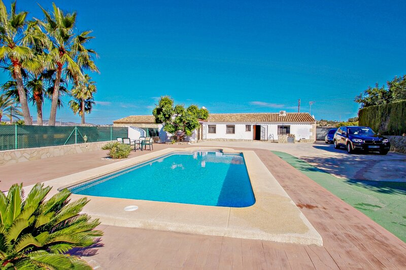 Roglet Dels Baydaly - Spanish Finca with views and private pool in Benissa, holiday rental in Canor