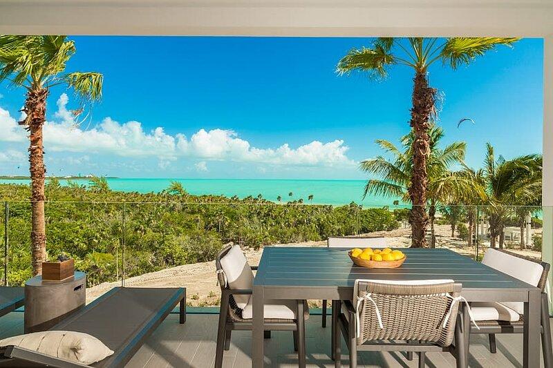 NEW LifeStyle Resort Condo *H2O ⎮Ocean View ⎮ Infinity Pool, aluguéis de temporada em Five Cays Settlement