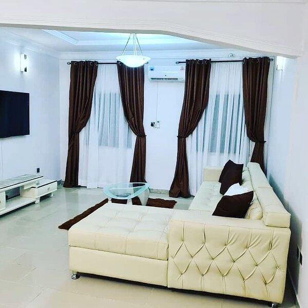 Luxury Shortlet for Rent near VGC, alquiler vacacional en Lekki